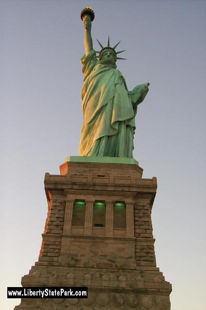 statue of liberty thesis statement